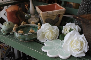 roses w turtle vase